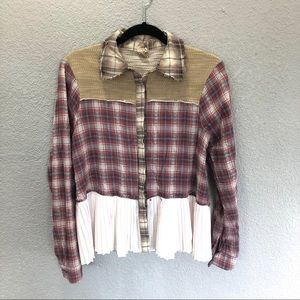 Gimmicks by BKE Mixed Fabric button down Flannel